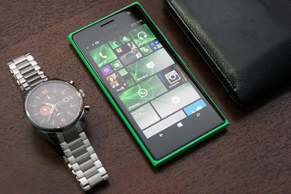 Đánh giá điện thoại tự sướng Lumia 730