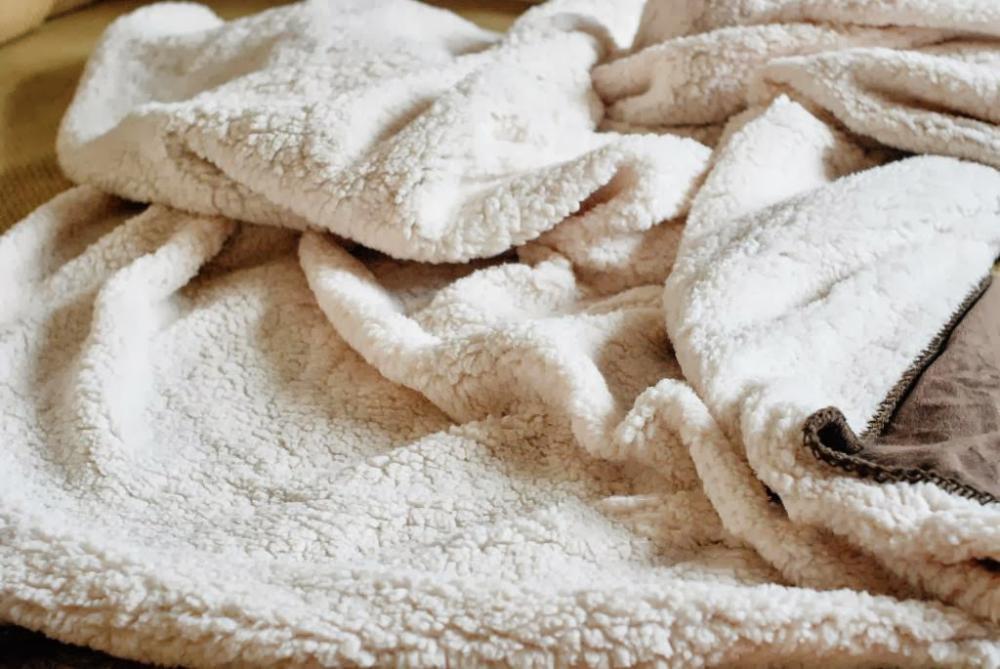 Chuyên bán buôn chăn lông cừu chất lượng cao Hà Nội